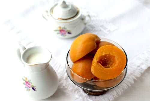 Classic Southern Pickled Peaches