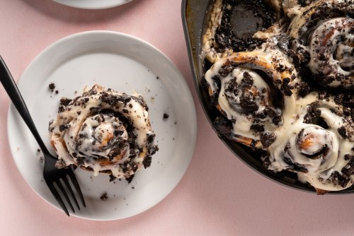 Cookies and Cream Cinnamon Rolls