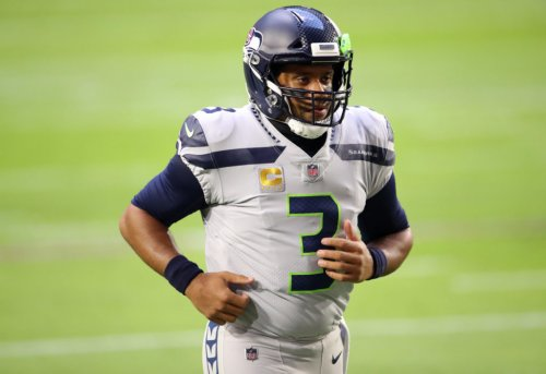 Seahawks RB Shares What Russell Wilson Was Telling Him