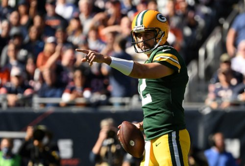 New Photos Of Bears Fans, Aaron Rodgers Going Viral