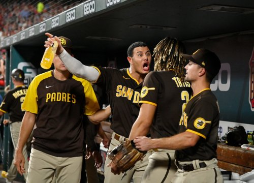 Look: MLB World Reacts To Unfortunate Padres Scene