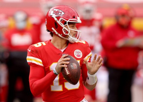 Video: Patrick Mahomes Completes Ridiculous Pass At Training Camp