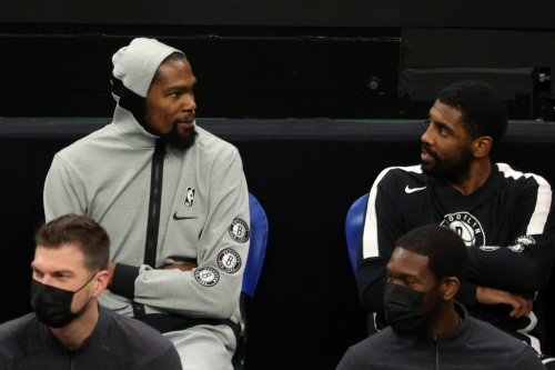 Look: Kevin Durant's Tweet About Kyrie Irving Going Viral