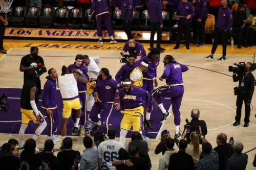 Look: Fight Nearly Breaks Out On Lakers' Bench Tonight