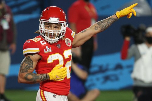 Chiefs Star Has A Blunt Message For Le'Veon Bell