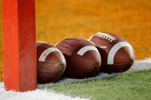 Watch: Hilarious College Football Kickoff Return Going Viral