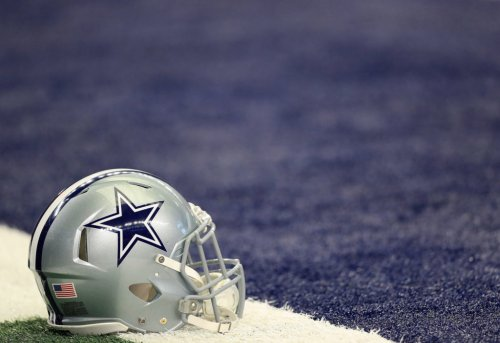 Dallas Cowboys Reportedly Decide On Starting QB For Steelers Game