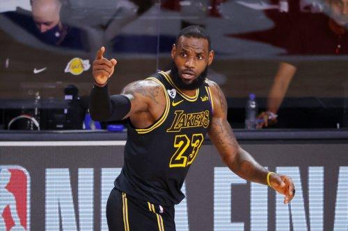 NBA World Reacts To LeBron James' Deleted Tweet
