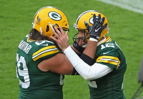 Aaron Rodgers Reacts To Viral Gift From Packers Teammate