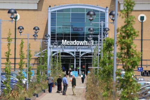 One man arrested after attempted Meadowhall jewellery robbery