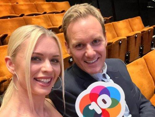 Dan Walker and Strictly Come Dancing partner Nadiya spend £20,000 on Bears of Sheffield statue