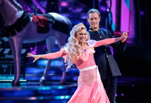 Dan Walker: Sheffield Strictly Come Dancing star sends touching message after Robert Webb pulls out