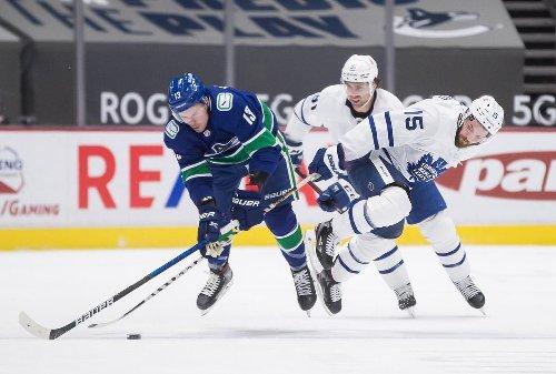 Canucks beat Leafs again as goaltender Rittich struggles in third period