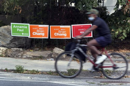 We visited eight Toronto ridings to take stock of federal candidates' warring lawn signs. Here's what we found
