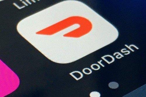 Buy-the-dip candidates: Jim Cramer would rather own DoorDash than Uber