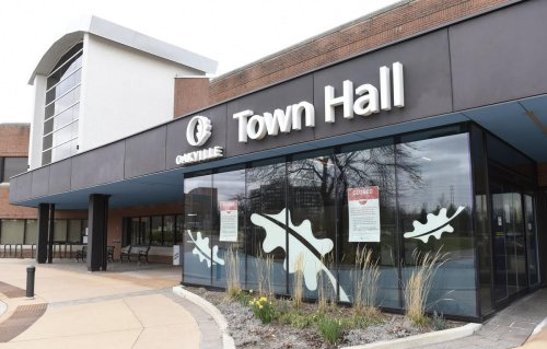 Oakville Town Hall turns away unvaccinated brides and grooms