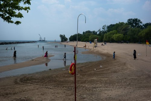 Stay out of the water at one Toronto beach
