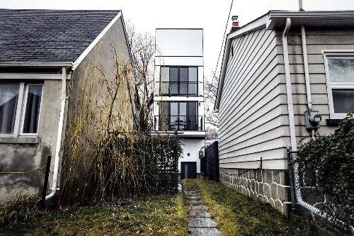 Toronto's 'Skinny House' finally sells for $1.75 million