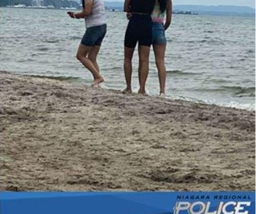 Niagara police hope to identify three women after stranger approaches child at beach