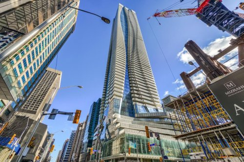 $795,000 for 612 sq. ft. in downtown Toronto, $568,000 for 980 sq. ft. in Mississauga: What these GTA condos got