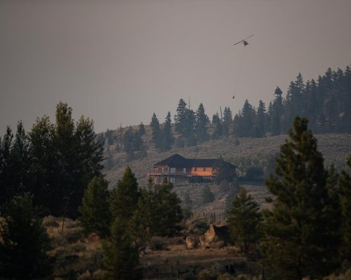 Heat warning in effect for B.C. as firefighters battle wildfires in province
