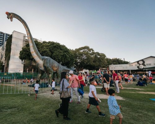 Montreal-area parents worry they have been duped by promoter of robot dinosaur show