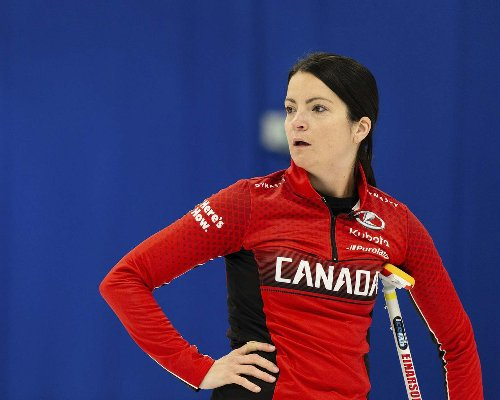 Einarson throws miracle toss in world mixed doubles comeback victory
