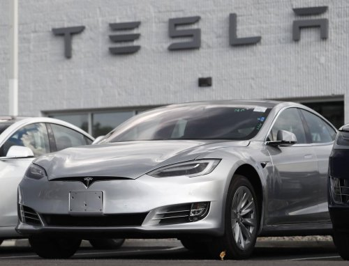 Cathie Wood: I'd sell Tesla if it hits $3,000 by end of '22