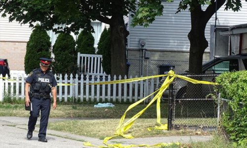Man dead after shooting on Mississauga residential street, two others sent to hospital