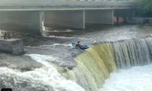 'Well I've never seen that before': Video captures kayaking pair going over Fenelon Falls