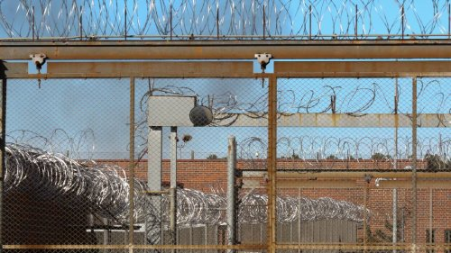 Prison guard repeatedly punched handcuffed inmate's face, South Carolina officials say
