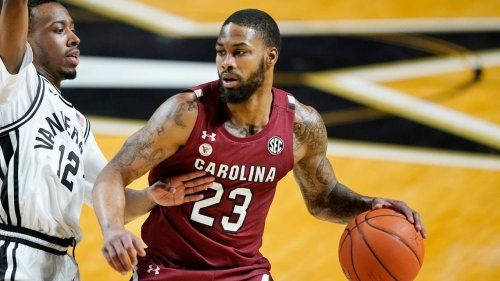 USC basketball senior Seventh Woods considers returning for extra year of eligibility
