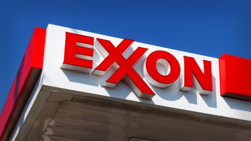 Exxon Mobil Shares Jump After ISS Backs Activists in Board Seat Battle