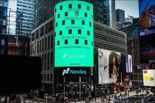 Robinhood Stock Ends Off 8% After IPO Debut