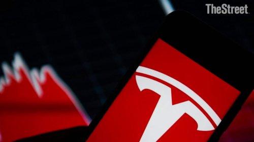 Tesla Posts Record $1.1 billion Profit: Elon Musk Cautions on Chip Shortage