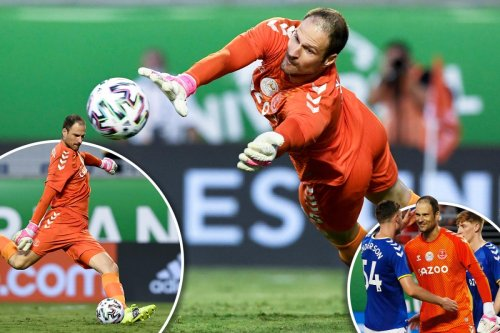 Everton new boy Begovic nets penalty & saves keeper spot-kick to win Florida Cup