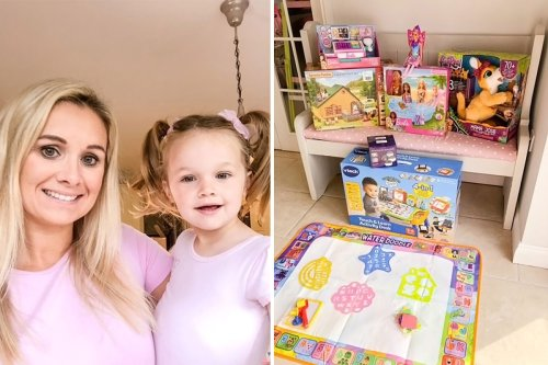 Mum reveals hack which helped her bag half price Christmas presents
