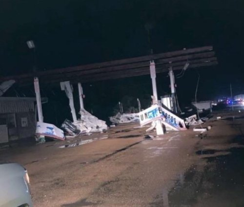 Large tornado touches down in Mississippi as residents warned to stay inside