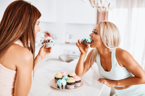 You've been eating cupcakes wrong - this is how to enjoy them mess-free
