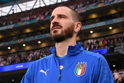 Allegri tells Bonucci to buy armband and play on STREETS if he wants captaincy