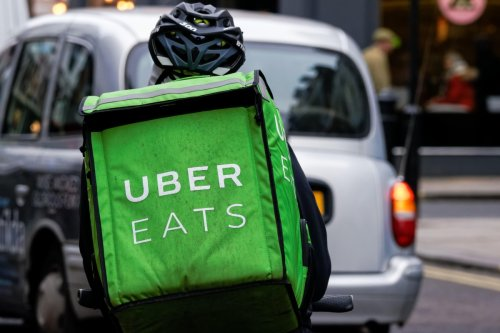 Uber offers discounts to students who can prove they have been double-jabbed