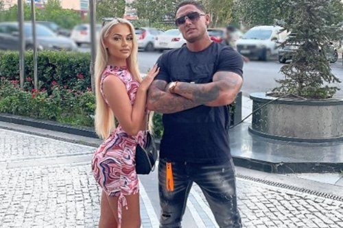 Stephen Bear fans horrified with graphic sex video of girlfriend Jessica Smith