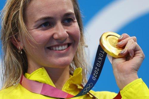 Watch wild celebration of Aussie swimmer Ariarne Titmus's coach as she wins gold