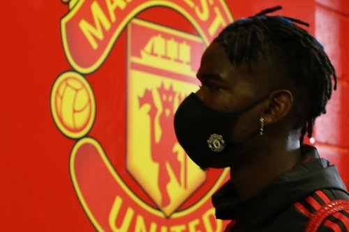 Fernandes starts for Man Utd vs Liverpool but Pogba and Mane on bench