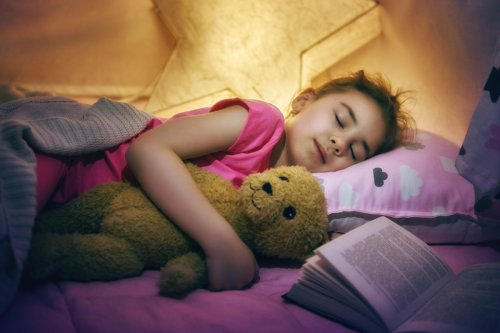 Life hacks to get the kids in bed on time (or even early)