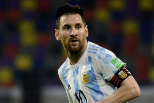 Lionel Messi scores but spoils are shared in Argentina 1 Chile 1