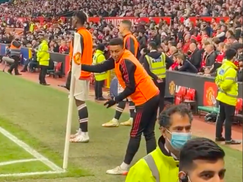 Lingard denies he was target of 'abuse' by Man Utd fans while warming-up