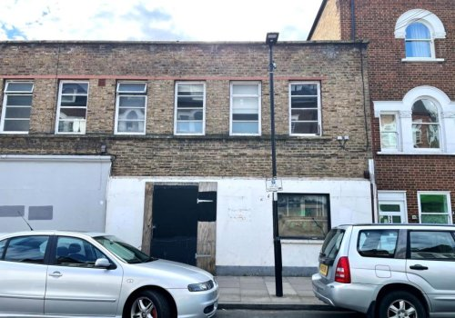 Flat in trendy North London on sale for knockdown £400k - with one major snag