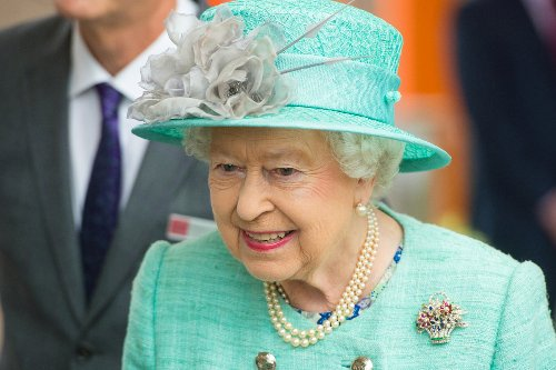 Queen to visit Scotland as Will & Harry to stand together for Diana service