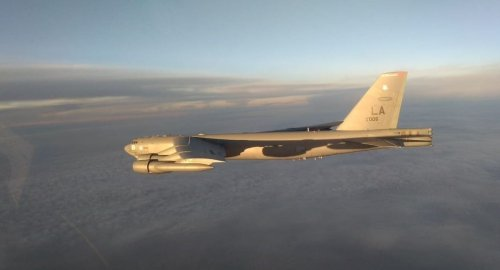 Russian warplanes intercept US B-52 nuclear bomber over Pacific as tensions rage